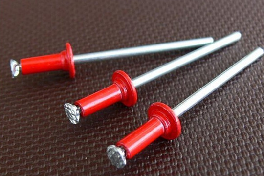 Red color aluminum/steel pop rivets with dome head